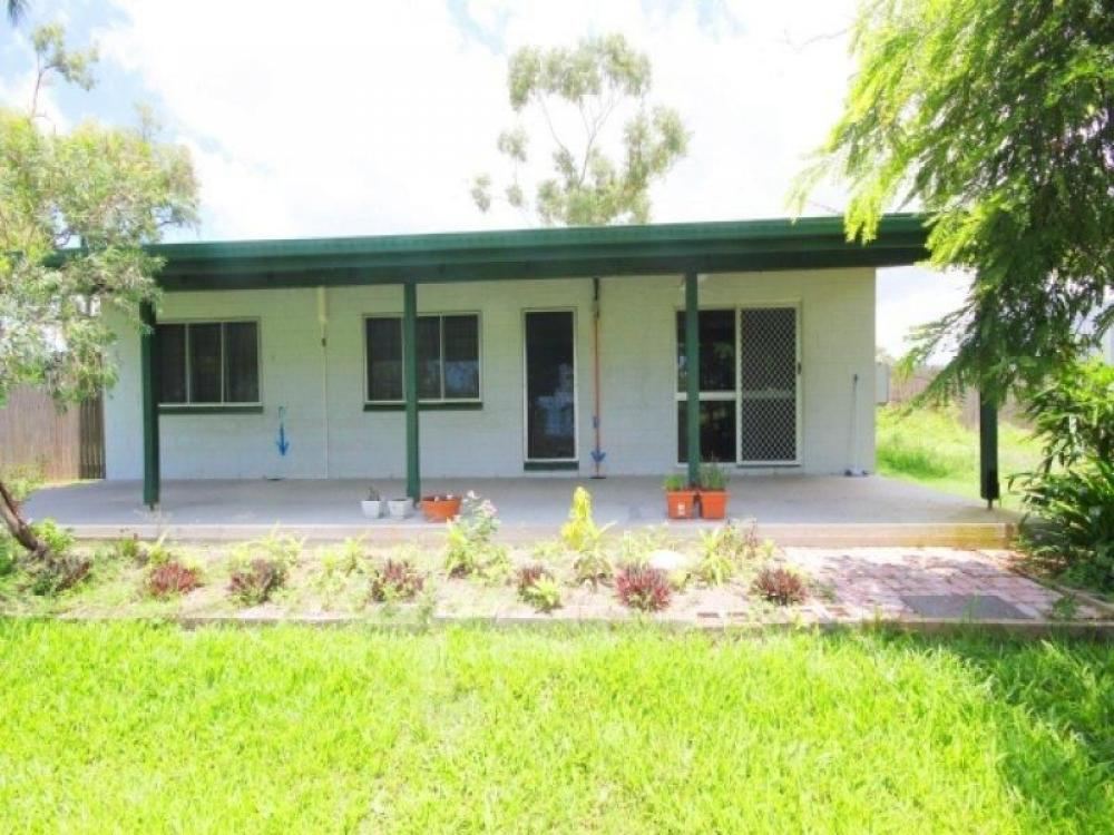 CUTE HOUSE ON 1.5 ACRES WITH DREAM SHED!