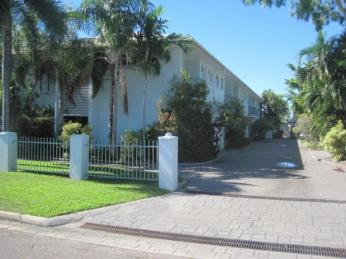 View profile: GREAT UNIT IN FABULOUS LOCATION!